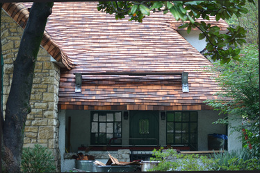A Specialty Roofing Insurance Expert: Cottage Roofs And Wave Coursing